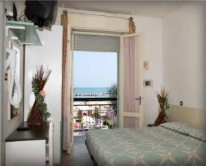 camere hotel Torre Pedrera con vista mare Adriatico